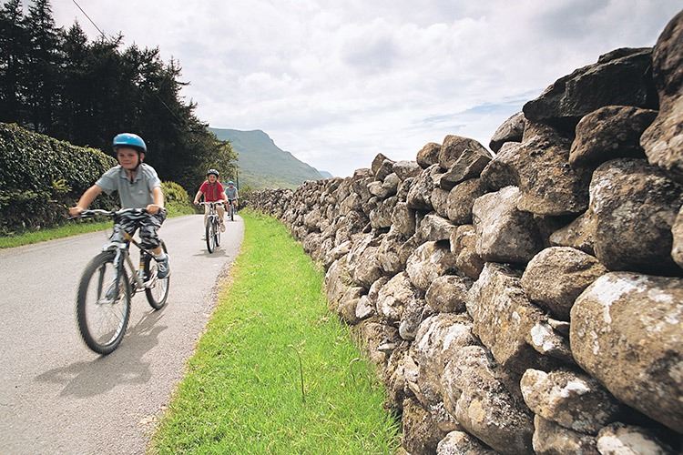hadrians-cycleway-holiday-cavalry