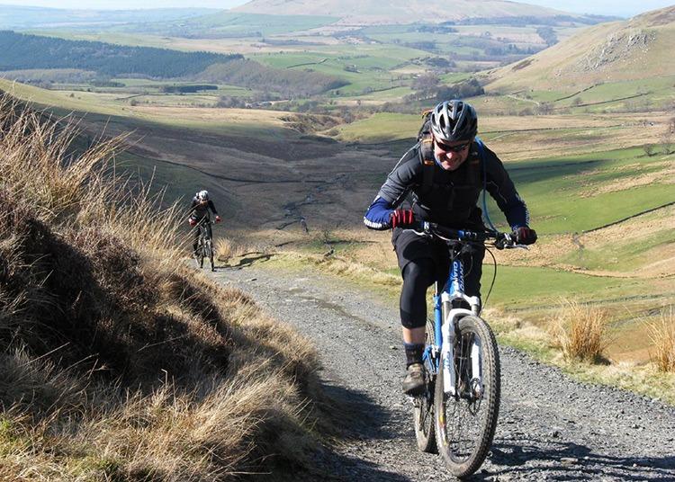 Cycling-holidays-guides-3