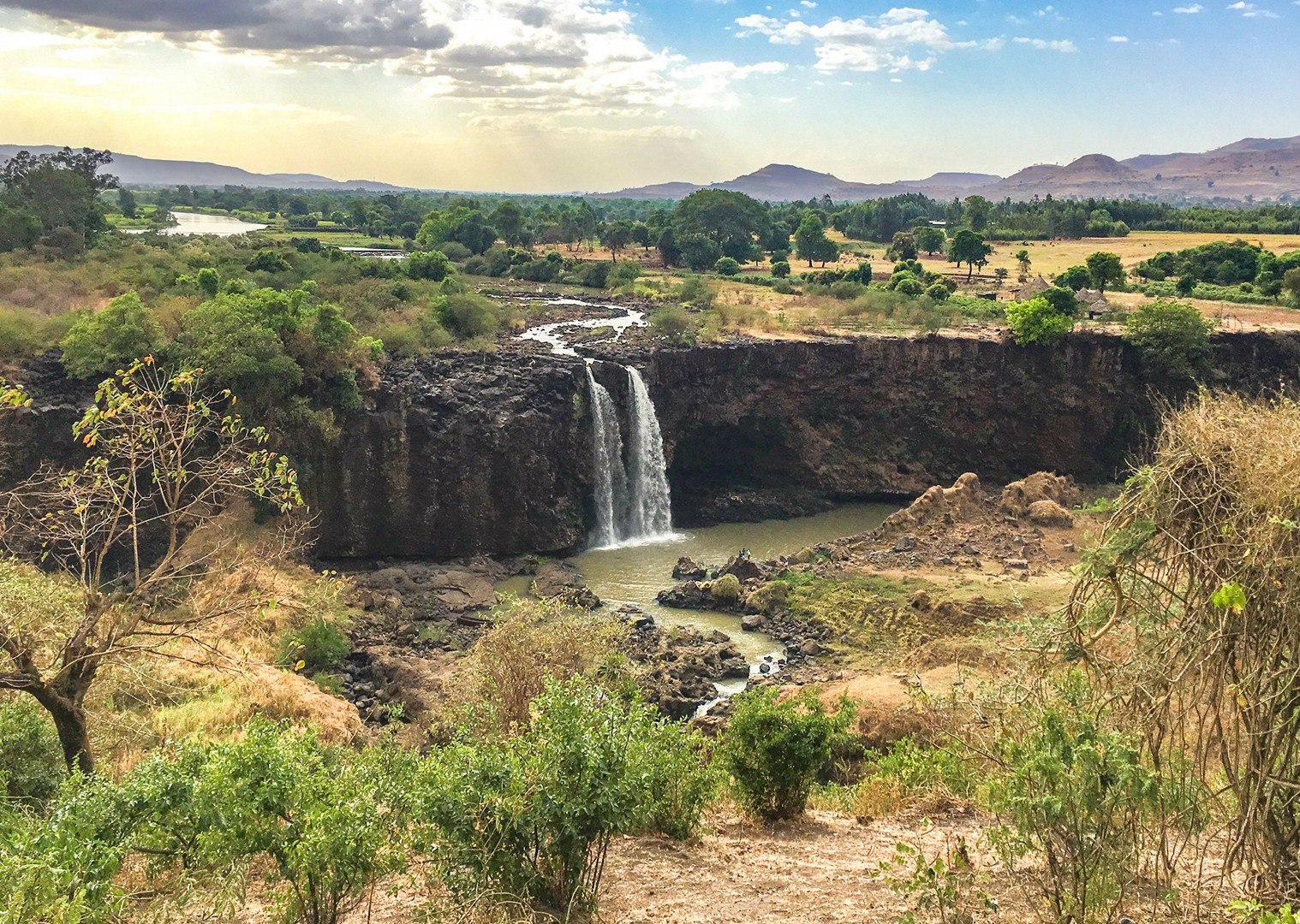 waterfall-ethiopia-cycling-adventure-saddle-skedaddle-holiday.jpg - NEW! Ethiopia - Enchanting Ethiopia - Cycling Adventures