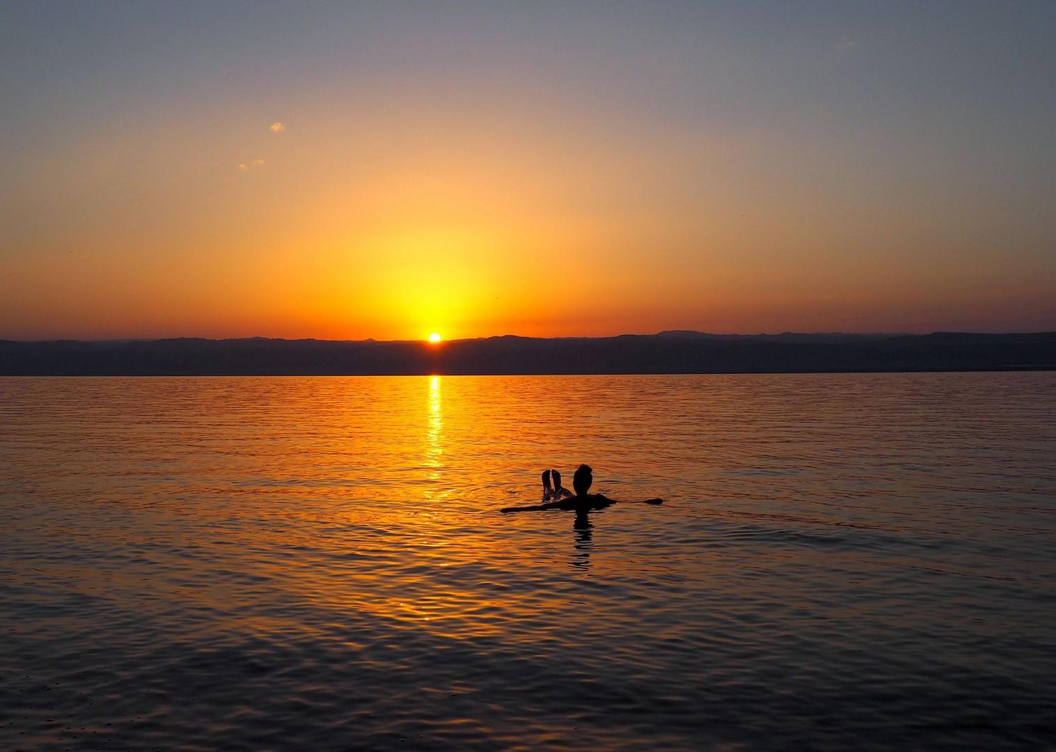 jordan-cycling-saddle-skedaddle-holidays-trip-adventure-sunset.jpg - NEW! Jordan - Petra, Wadi Rum & the Dead Sea - Cycling Adventures