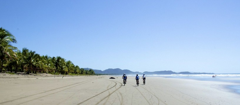 Take advantage of the new direct flights from London Gatwick to San Jose and join us in Costa Rica, as we explore the mountains, jungle and beautiful beaches of this cycling paradise. Join us on this Skedaddle classic tour!