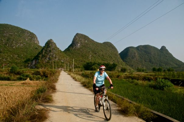chinacyclingadventure58innesgarden.jpg - China - Guilin and Guangxi - Cycling Adventures
