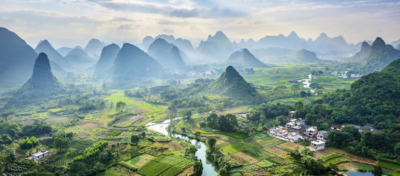 A China that one often imagines: hardy farmers tilling rice paddies, bamboo-lined rivers, mist-swept peaks and ancient villages. Just places left on our 02 to 15 September date now!!