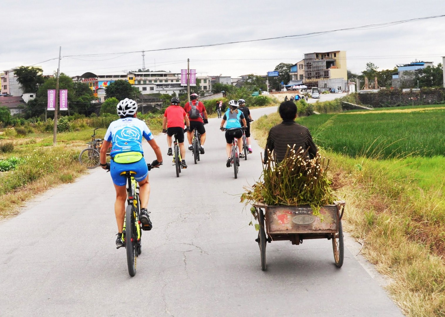 001-074.jpg - China - Guilin and Guangxi - Cycling Adventures