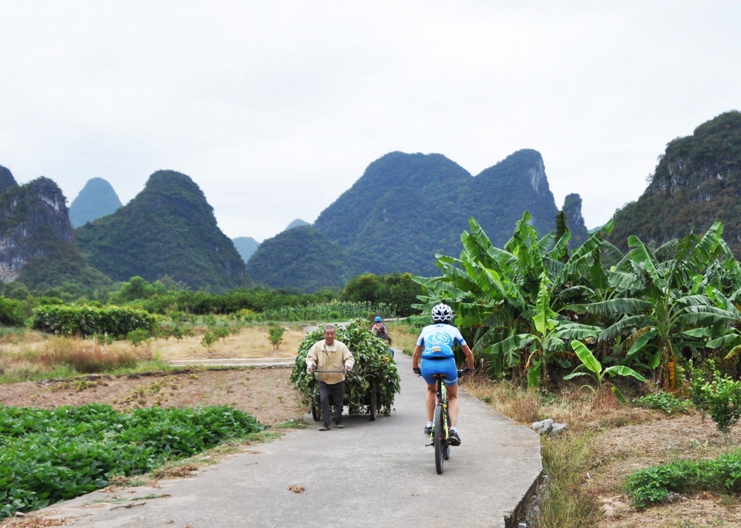 001-097.jpg - China - Guilin and Guangxi - Cycling Adventures