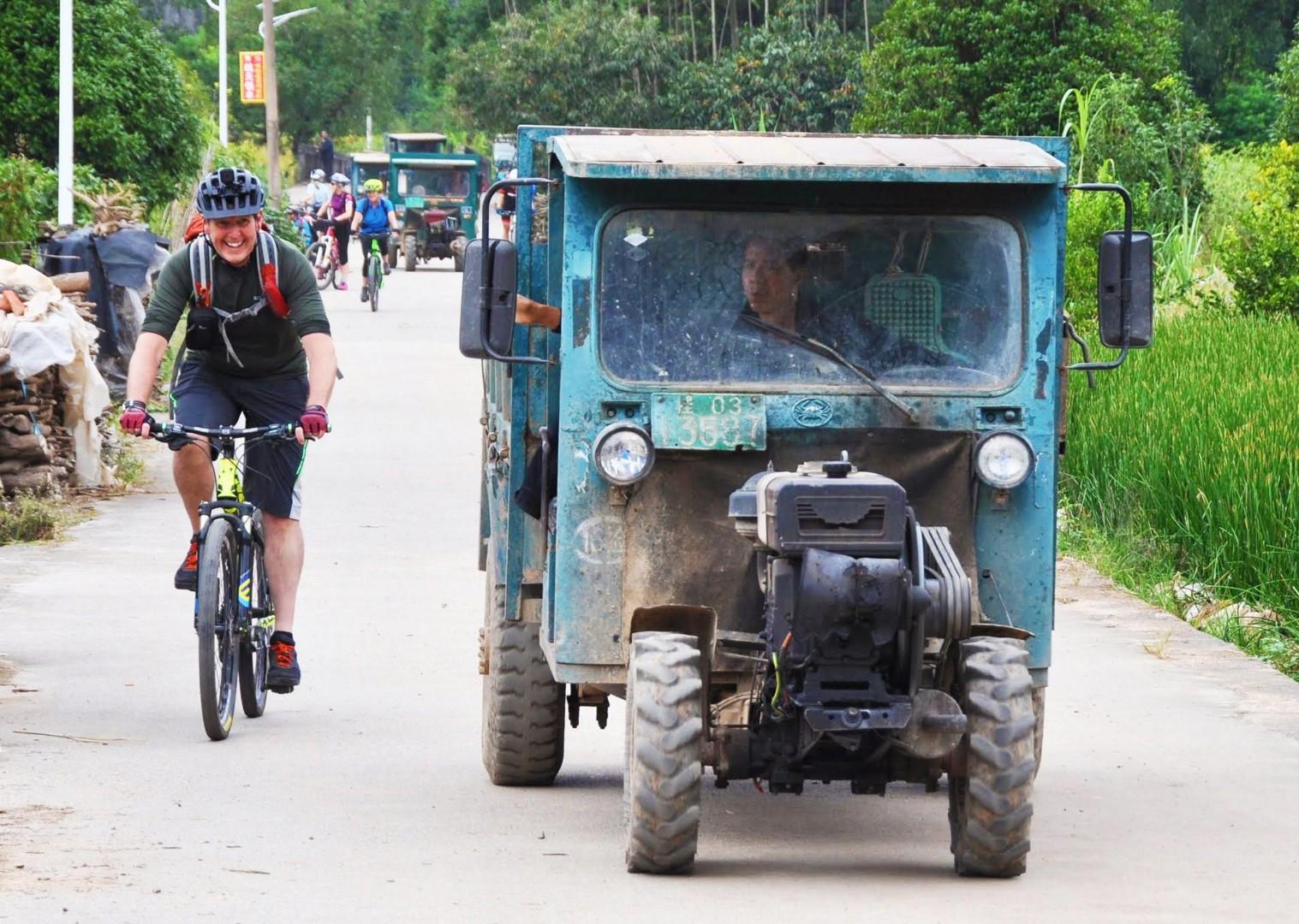 001-098.jpg - China - Guilin and Guangxi - Cycling Adventures