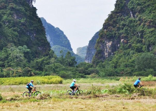 001-103.jpg - China - Guilin and Guangxi - Cycling Adventures