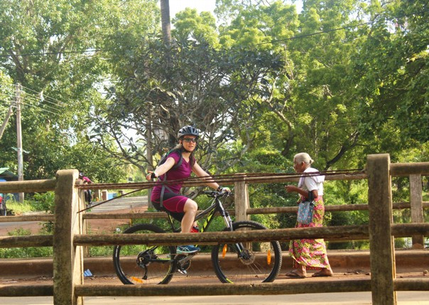 tropical-forest-guided-cycling-adventure-sri-lanka.jpg - Sri Lanka - Backroads and Beaches - Cycling Adventures