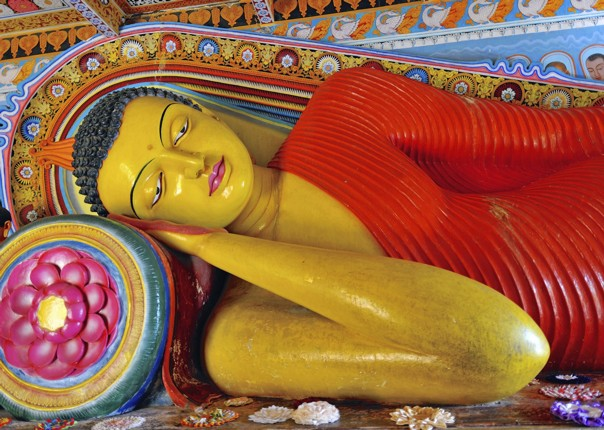 guided-cycling-holiday-in-sri-lanka-temple.jpg - Sri Lanka - Backroads and Beaches - Cycling Adventures