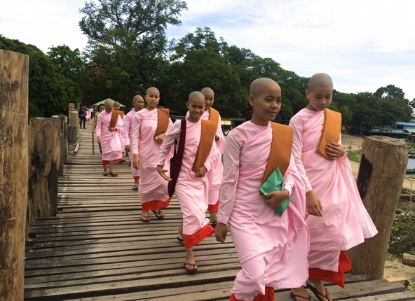 burma-cycling-holiday-monks-culture.jpg - Burma - Bagan and Beyond - Cycling Adventures