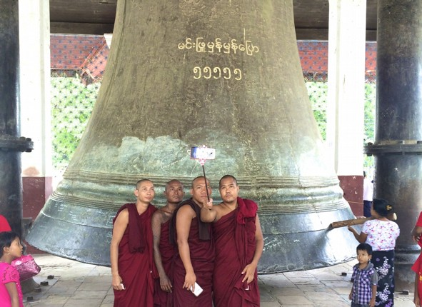 burma-cycling-holiday-temple-bell-monks.jpg - Burma - Bagan and Beyond - Cycling Adventures