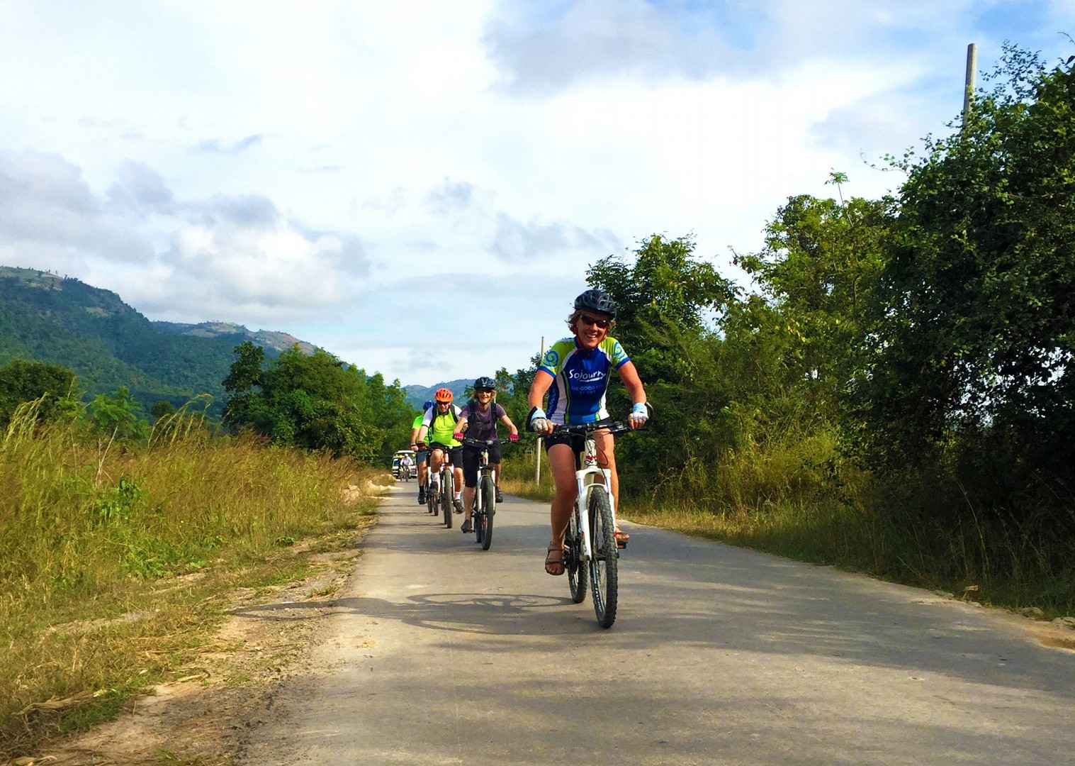 group-cycling-adventure-countryside-burma.jpg - Burma - Bagan and Beyond - Cycling Adventures
