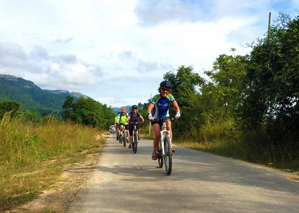 group-cycling-adventure-countryside-burma.jpg - Burma - Bagan and Beyond - Cycling Adventures