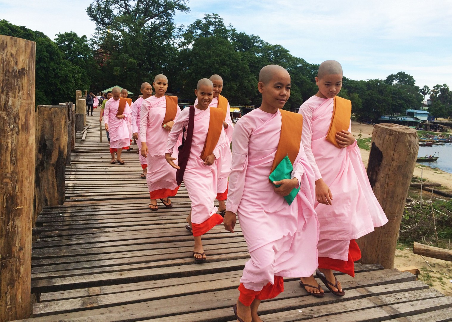 meet-locals-burma-group-cycling-holiday.jpg - Burma - Bagan and Beyond - Cycling Adventures