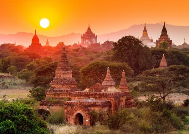 sunset-views-cycling-adventure-in-burma-bagan-myanmar.jpg - Burma - Bagan and Beyond - Cycling Adventures
