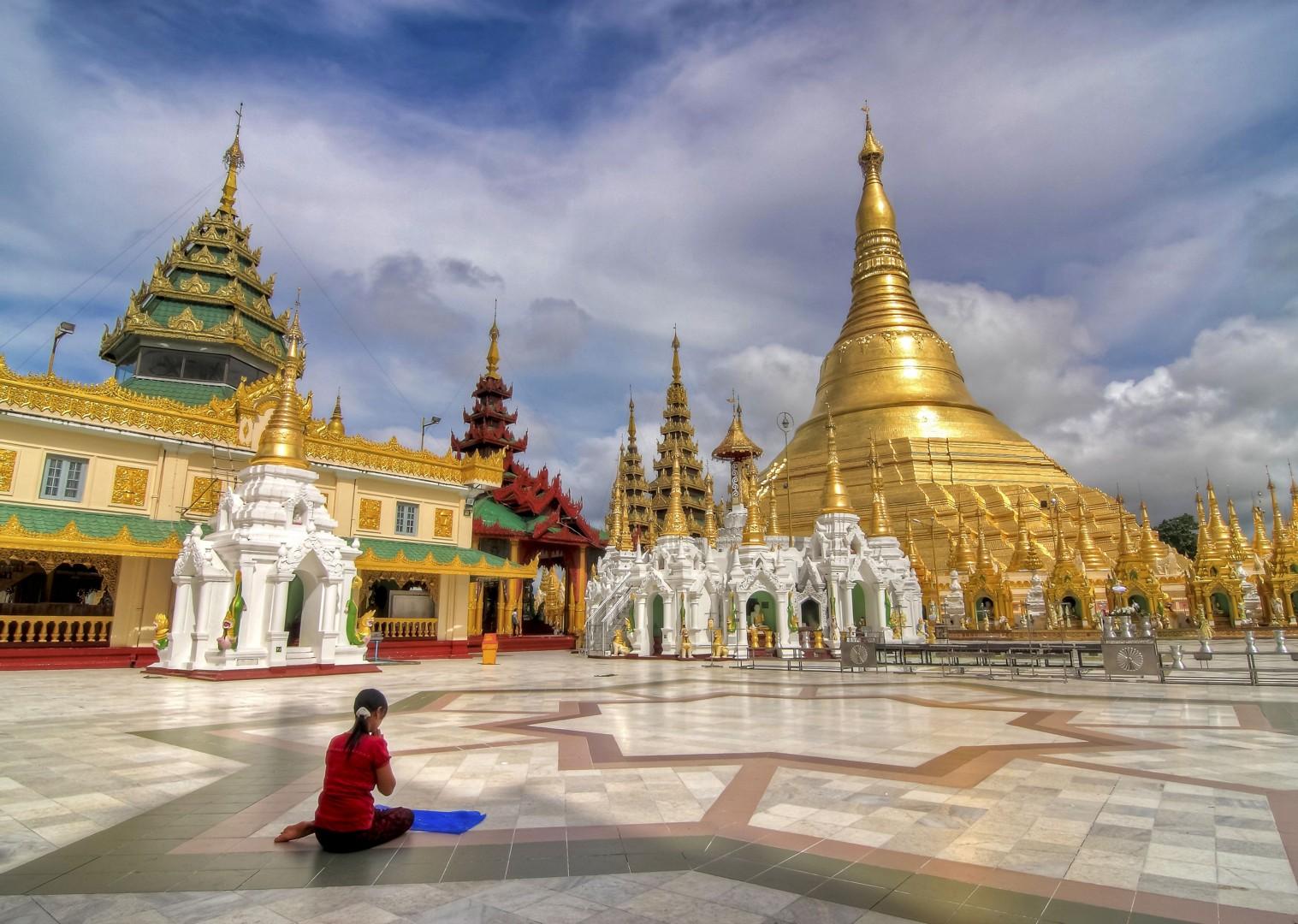 burma-guided-group-cycling-temples.jpg - Myanmar (Burma) - Bagan and Beyond - Cycling Adventures