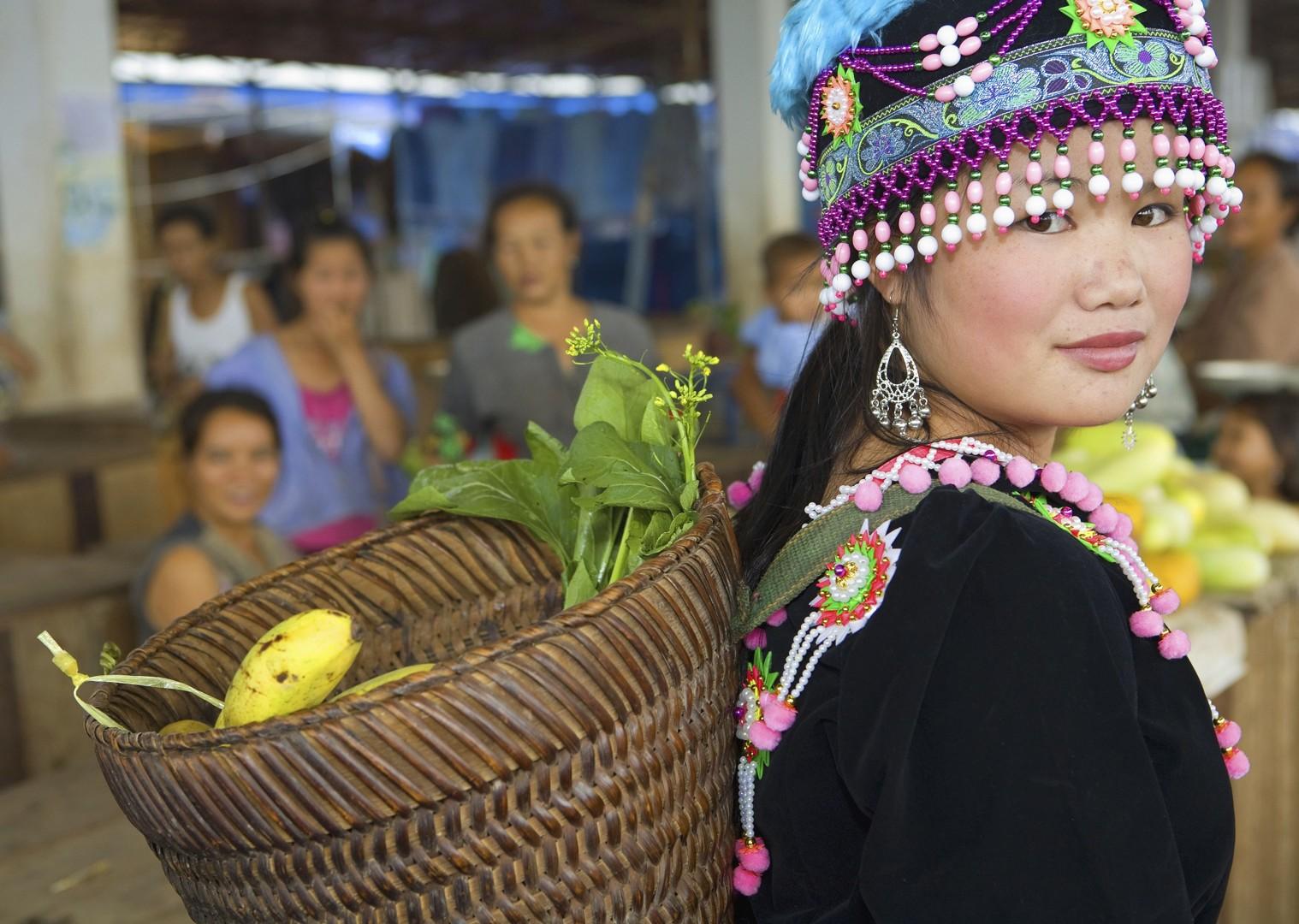 cycling-adventure-holiday-local-culture-people.jpg - Laos - Hidden Treasures - Cycling Adventures