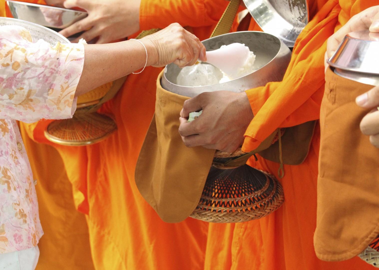 cycling-adventure-laos-monks.jpg - Laos - Hidden Treasures - Cycling Adventures