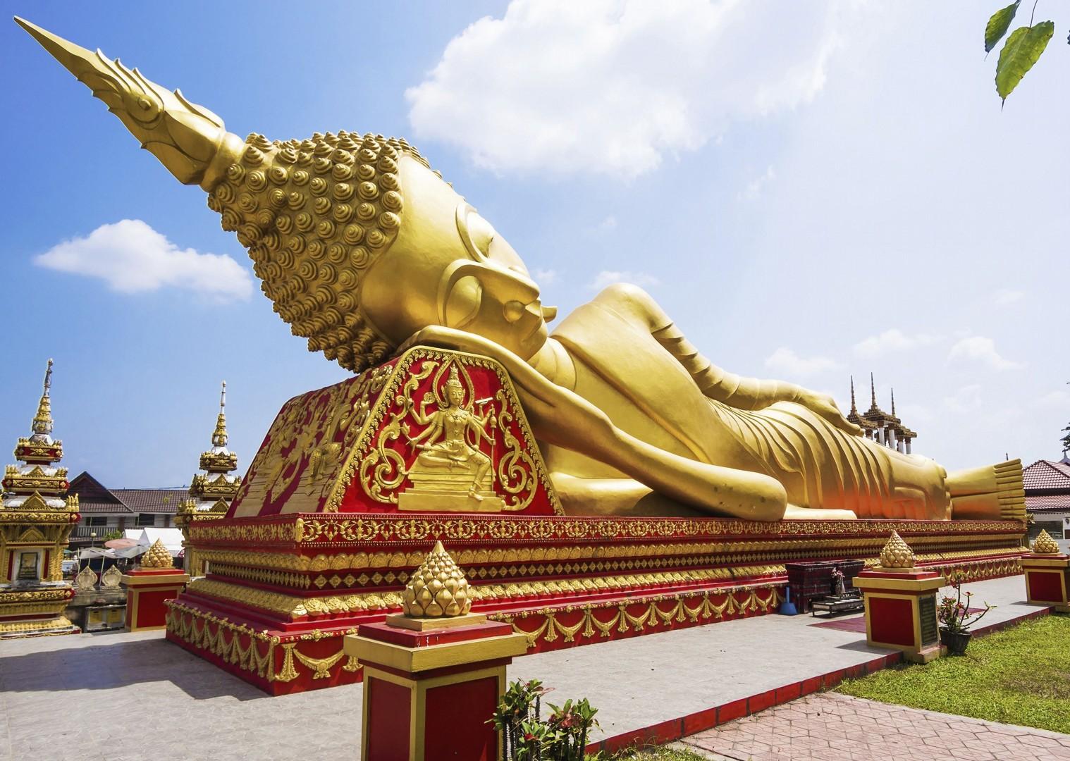 cycling-adventure-laus-WatPhaThatLuang-Vientiane.jpg - Laos - Hidden Treasures - Cycling Adventures