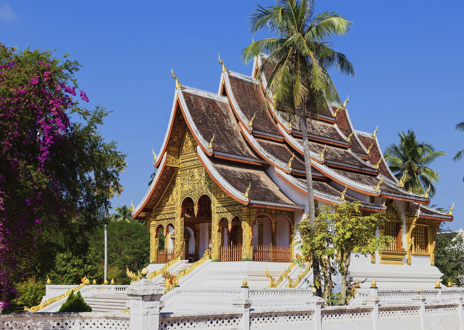 Cycling-holiday-Laos-Prabang Museums.jpg - Laos - Hidden Treasures - Cycling Adventures