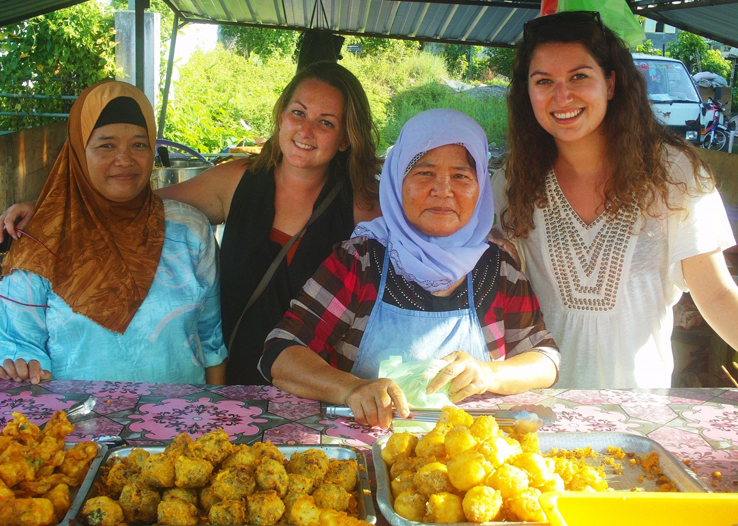 local-food-borneo-stall-in-market-holiday-saddle-skedaddle.jpg - NEW! Borneo - Secret Sarawak - Cycling Adventures
