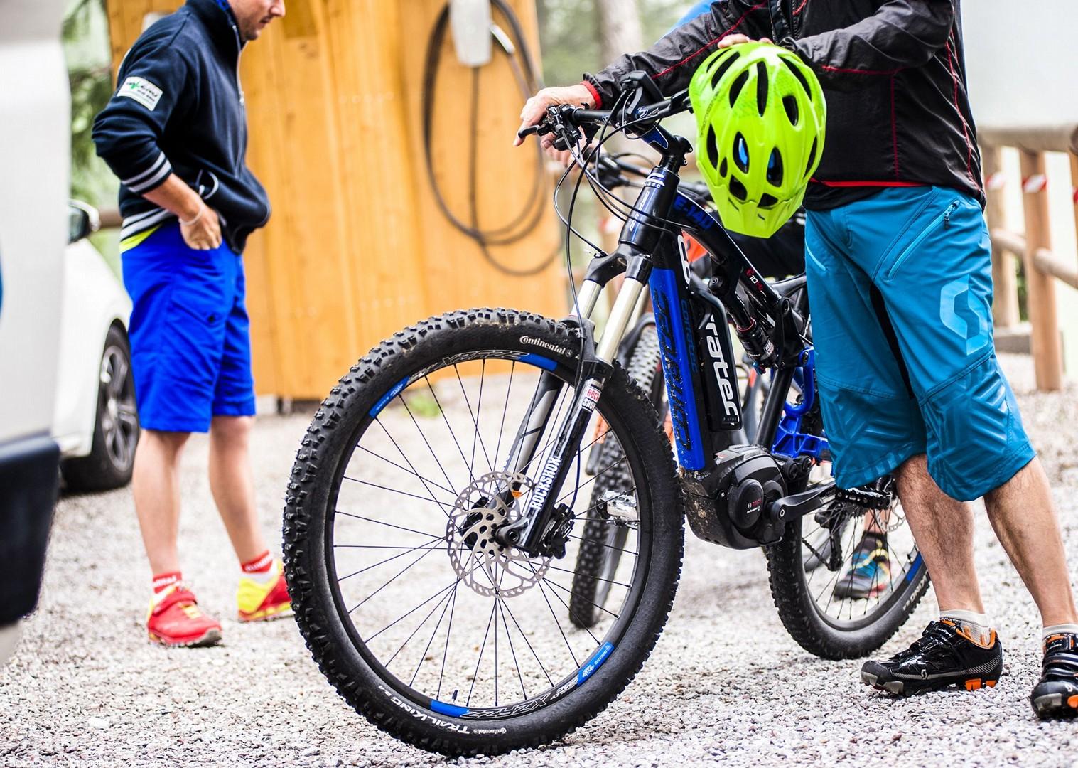 saddle_skedaddle_italy_2017_day6_brenta_dolomites_03-2.jpg - Italy - Dolomites of Brenta - Electric Mountain Bike Holiday - Mountain Biking