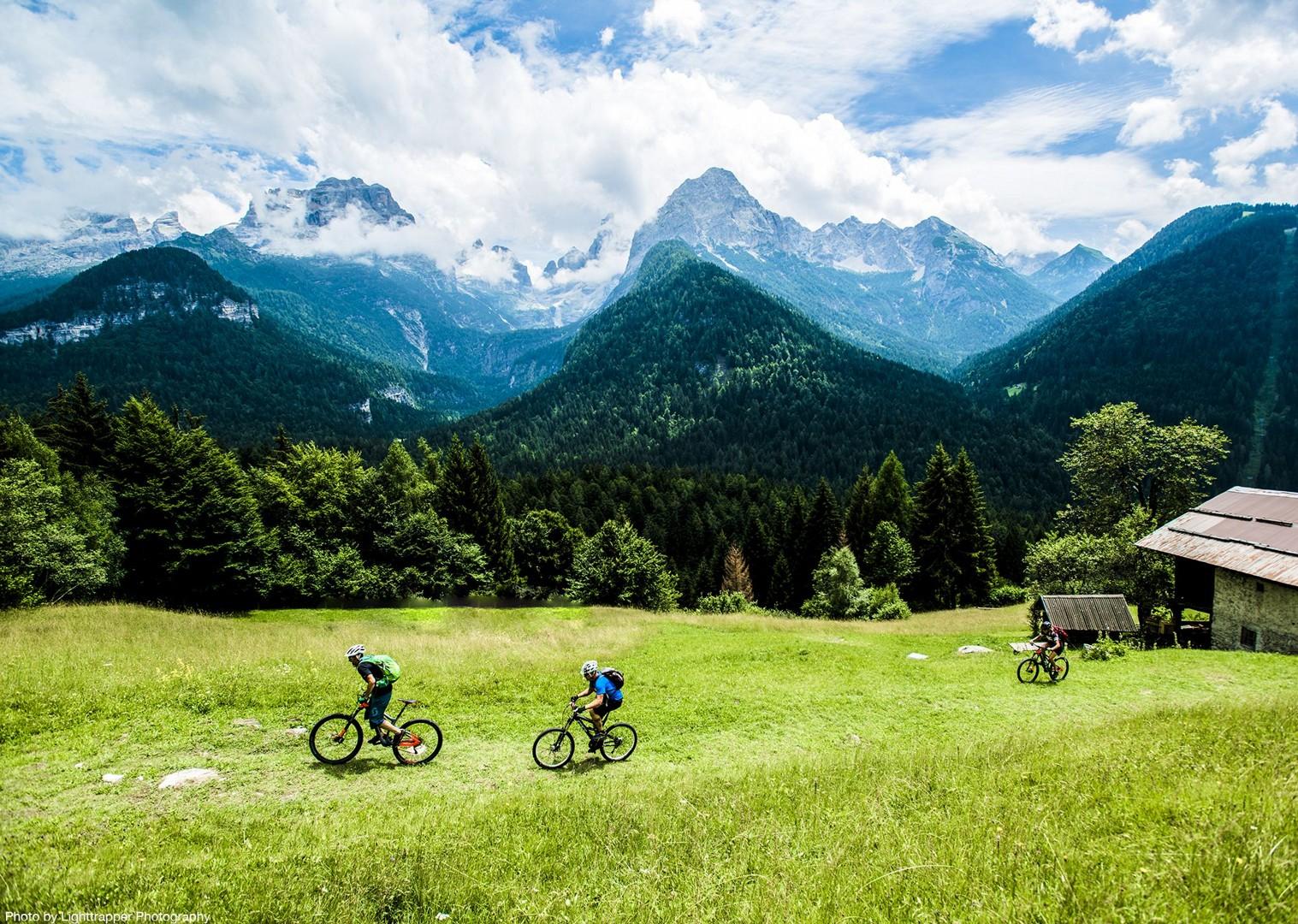 saddle_skedaddle_italy_2017_day6_brenta_dolomites_143-2.jpg - Italy - Dolomites of Brenta - Electric Mountain Bike Holiday - Mountain Biking