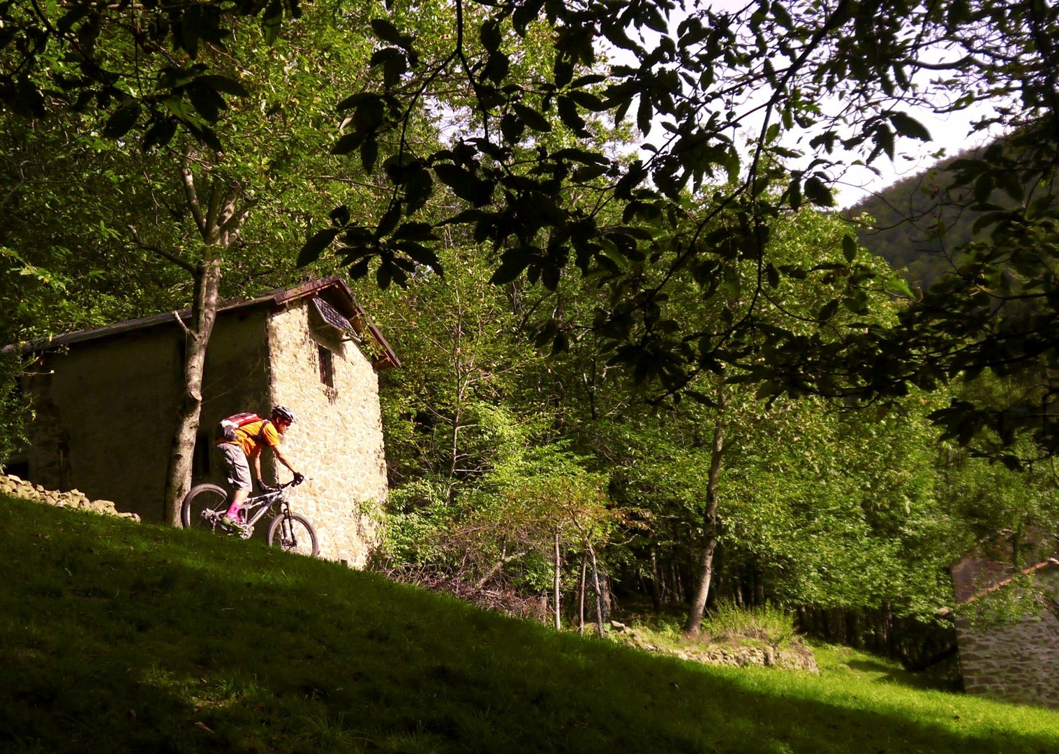 mountain-bike-via-francigena-self-guided-holiday-italy-skedaddle.jpg - Italy - Via Francigena (Tuscany to Rome) - Self-Guided Mountain Bike Holiday - Mountain Biking