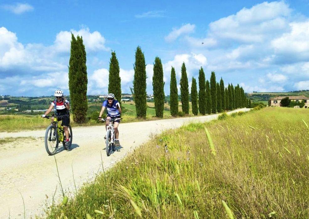 italy-mountain-bike-holidays-saddle-skedaddle-tour-via-francigena.jpg - Italy - Via Francigena (Tuscany to Rome) - Self-Guided Mountain Bike Holiday - Mountain Biking