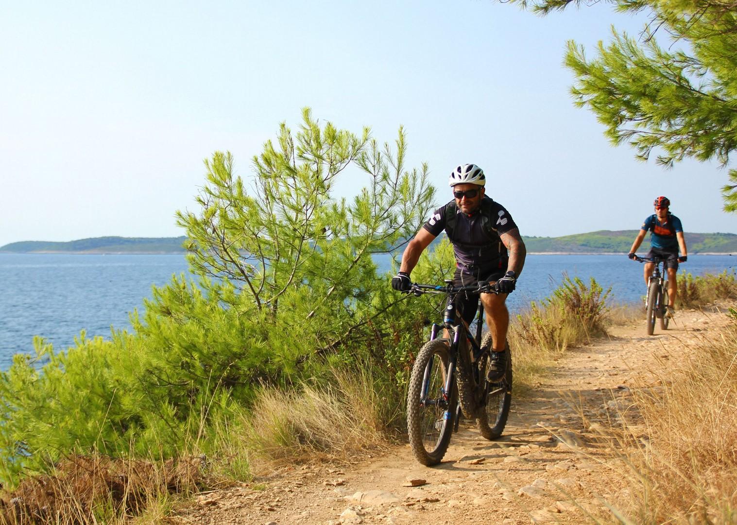 biking-in-croatia-guided-holiday-skedaddle.JPG - NEW! Croatia - Terra Magica - eMTB - Mountain Biking