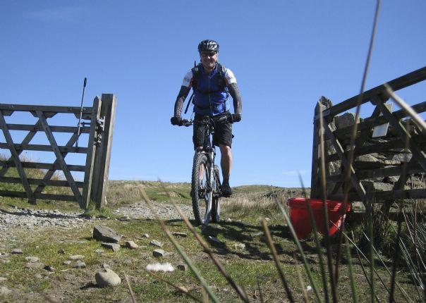 awesomeamblesidebiking6.jpg - UK - Lake District - Awesome Ambleside - Mountain Biking