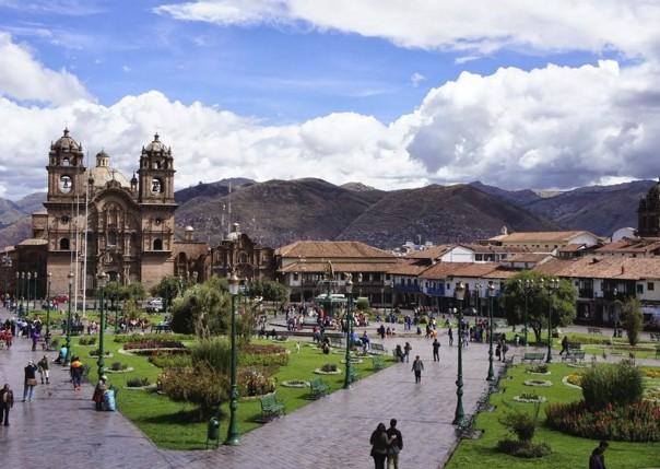 cusco plaza 4.jpg - Peru - Sacred Singletrack - Mountain Biking