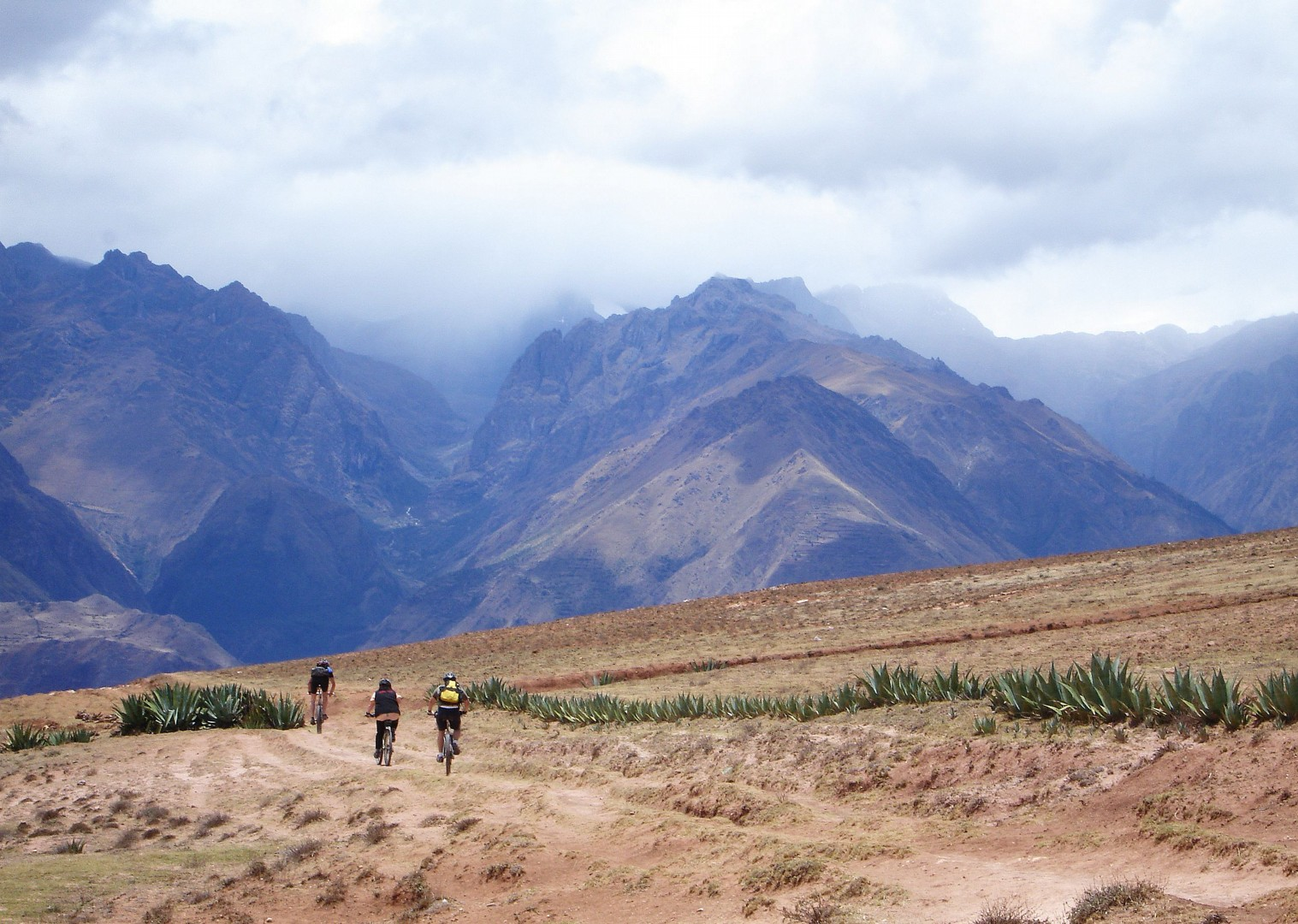 Biking Maras Moray 2.JPG - Peru - Sacred Singletrack - Mountain Biking