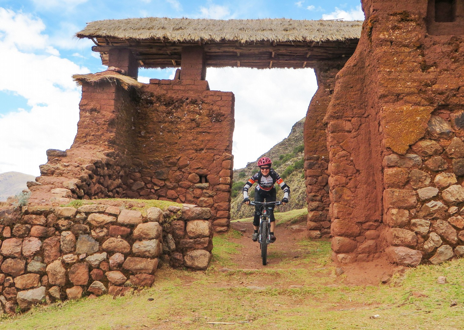 IMG_2245.jpg - Peru - Sacred Singletrack - Mountain Biking