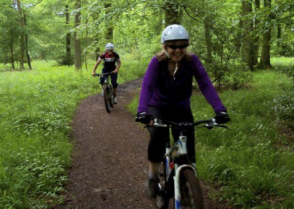 chilternsintro2.jpg - UK - Chilterns - Guided Mountain Bike Weekend - Mountain Biking