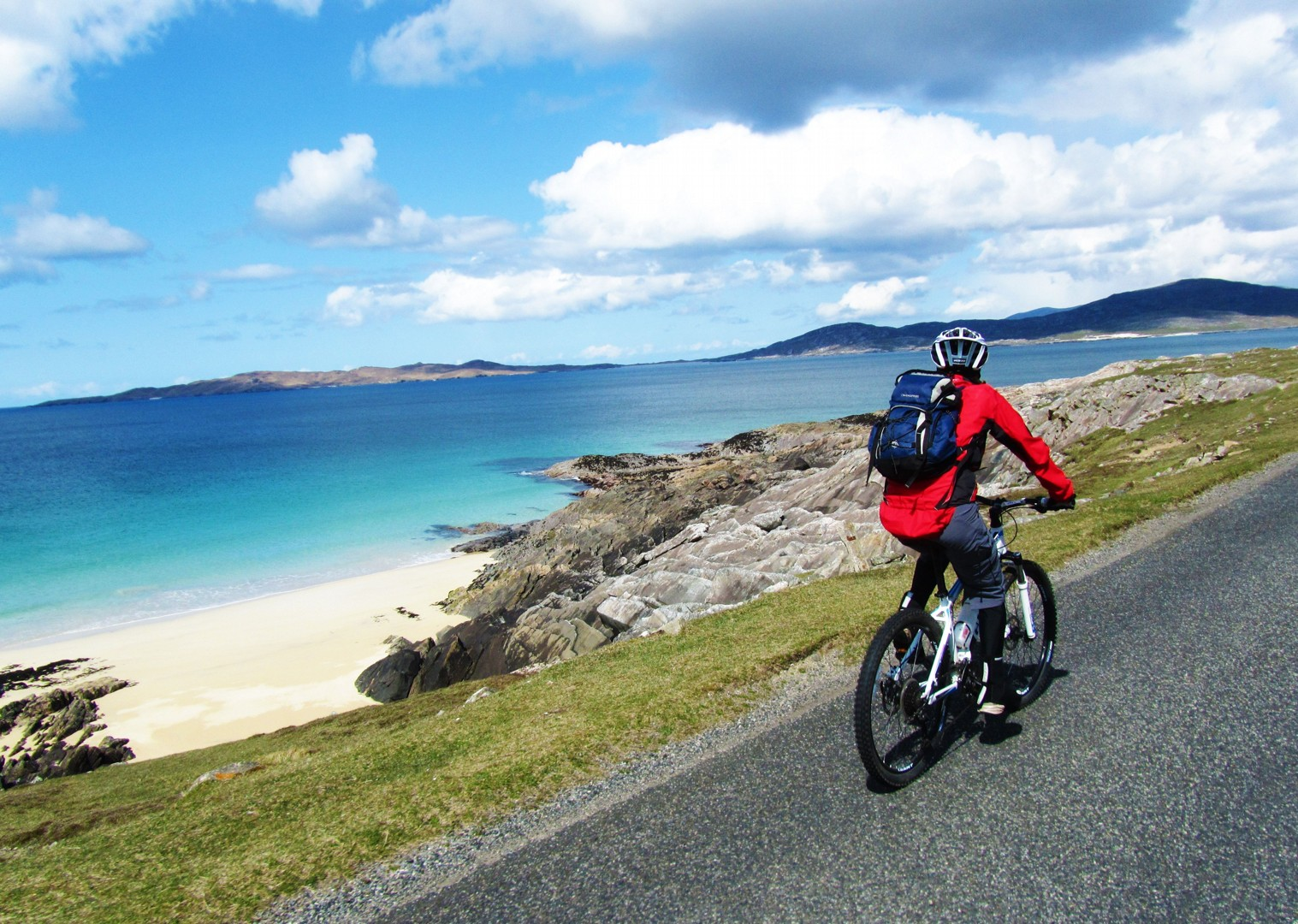 coastal-routes-cycling-holiday-in-outer-hebrides-scotland.jpg - Scotland - Hebridean Explorer - Guided Mountain Bike Holiday - Mountain Biking