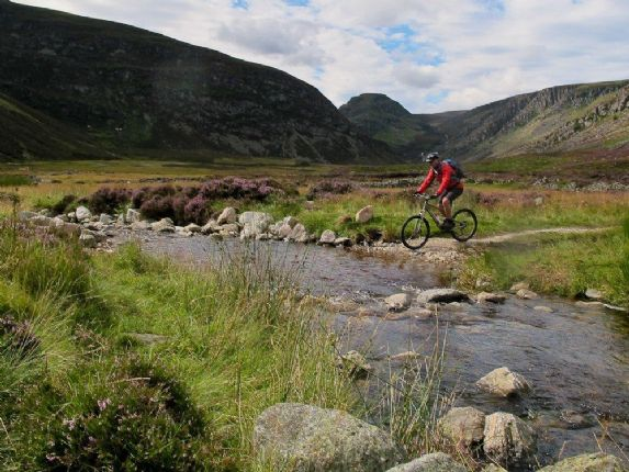 cg31.jpg - Scotland - Celtic Crossing - Guided Mountain Bike Holiday - Mountain Biking