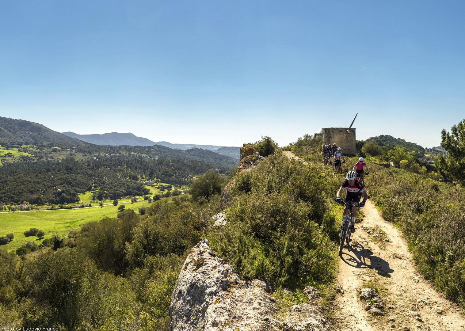 group-singletrack-exploration-cycling-holiday-on-atlantic-coast-portugal.jpg - Portugal - Atlantic Trails - Guided Mountain Bike Holiday - Mountain Biking