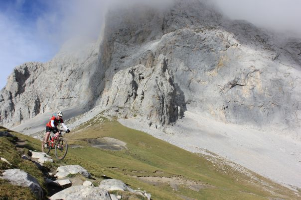 2012-09-13 21.11.51.jpg - Spain - Picos de Europa - Trans Picos - Guided Mountain Bike Holiday - Mountain Biking