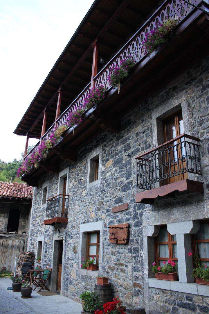 2012-09-11 20.06.21.jpg - Spain - Picos de Europa - Trans Picos - Guided Mountain Bike Holiday - Mountain Biking