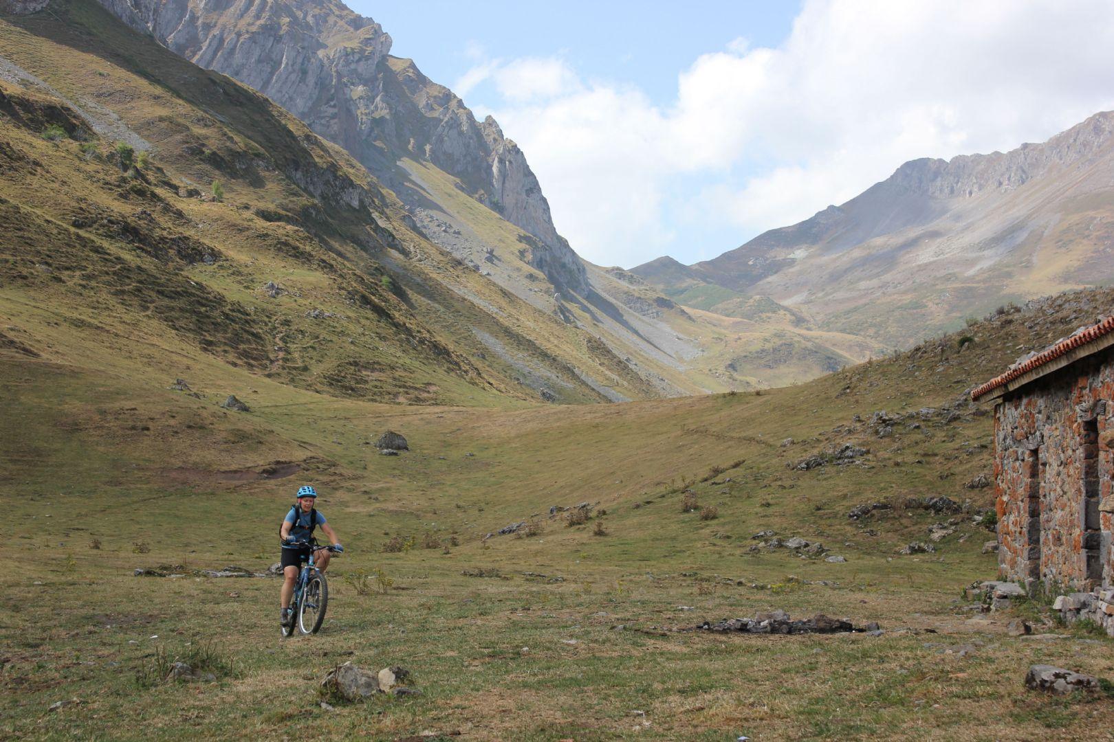 2012-09-11 01.12.03.jpg - Spain - Picos de Europa - Trans Picos - Guided Mountain Bike Holiday - Mountain Biking