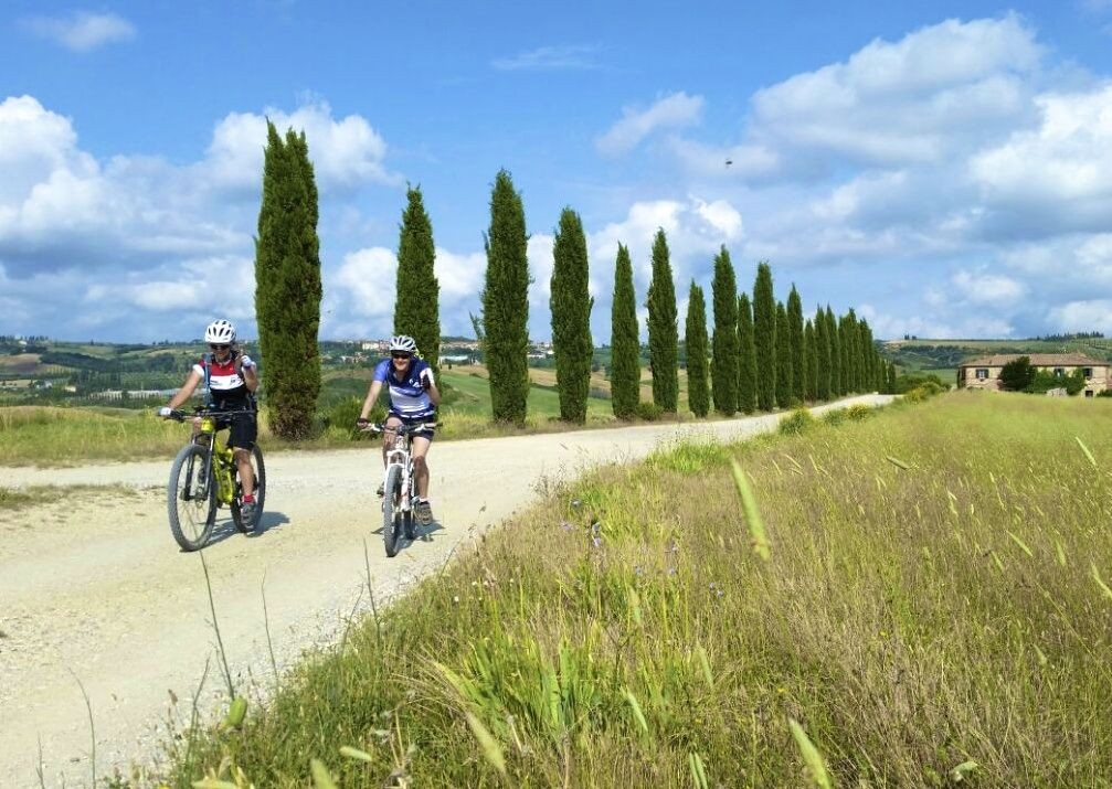 leisure-cycling-holiday-italy-tuscany.jpg - Italy - Tuscany - Sacred Routes - Guided Mountain Bike Holiday - Mountain Biking