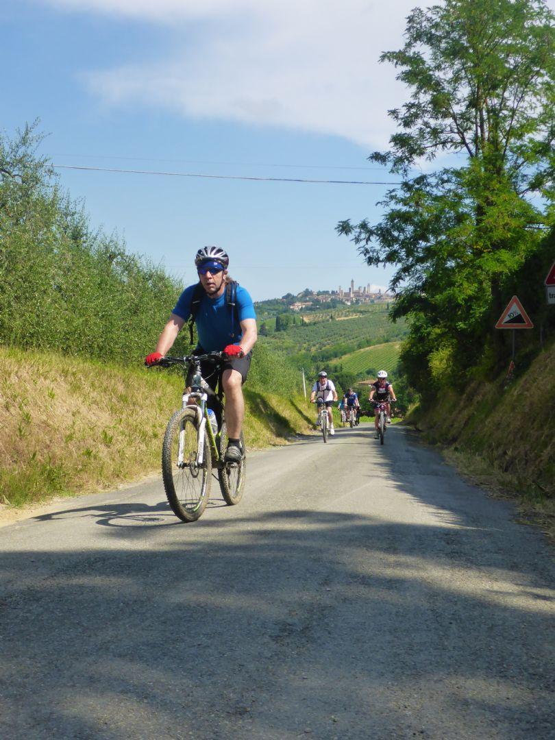P1010543.JPG - Italy - Tuscany - Sacred Routes - Guided Mountain Bike Holiday - Mountain Biking