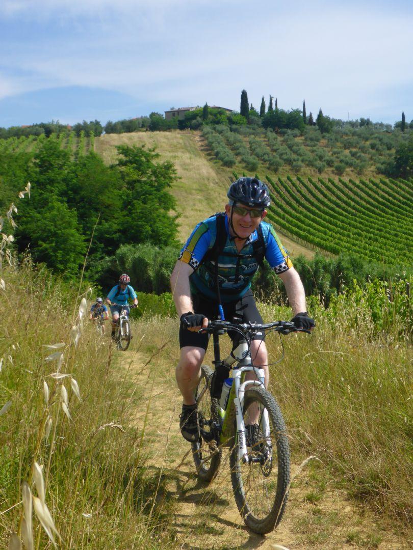 P1010561.JPG - Italy - Tuscany - Sacred Routes - Guided Mountain Bike Holiday - Mountain Biking