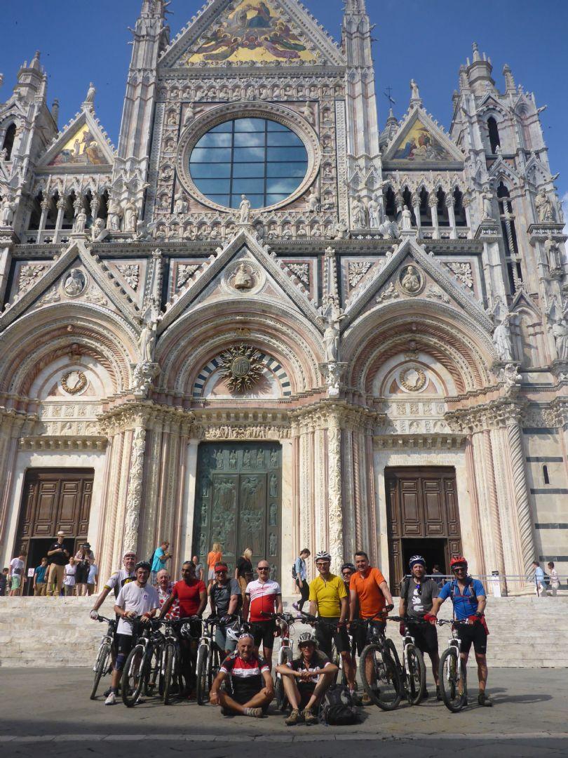 P1010635.JPG - Italy - Tuscany - Sacred Routes - Guided Mountain Bike Holiday - Mountain Biking