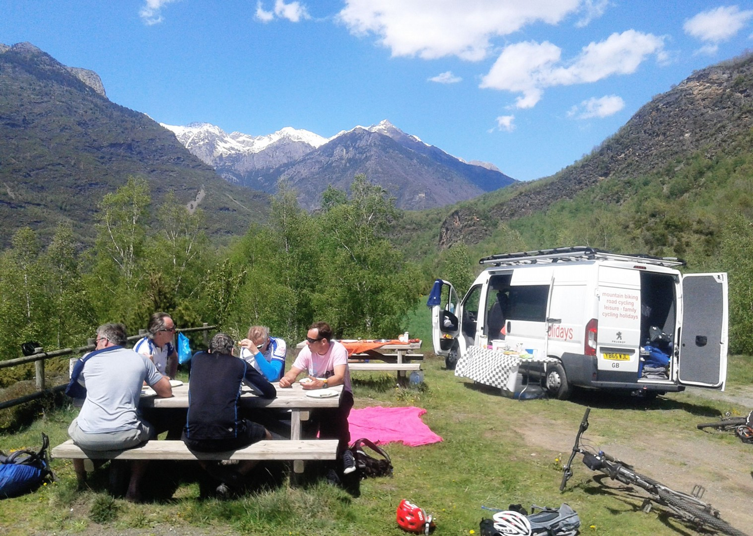 20160516_150356.jpg - Spain - Pyrenees Enduro - Guided Mountain Bike Holiday - Mountain Biking