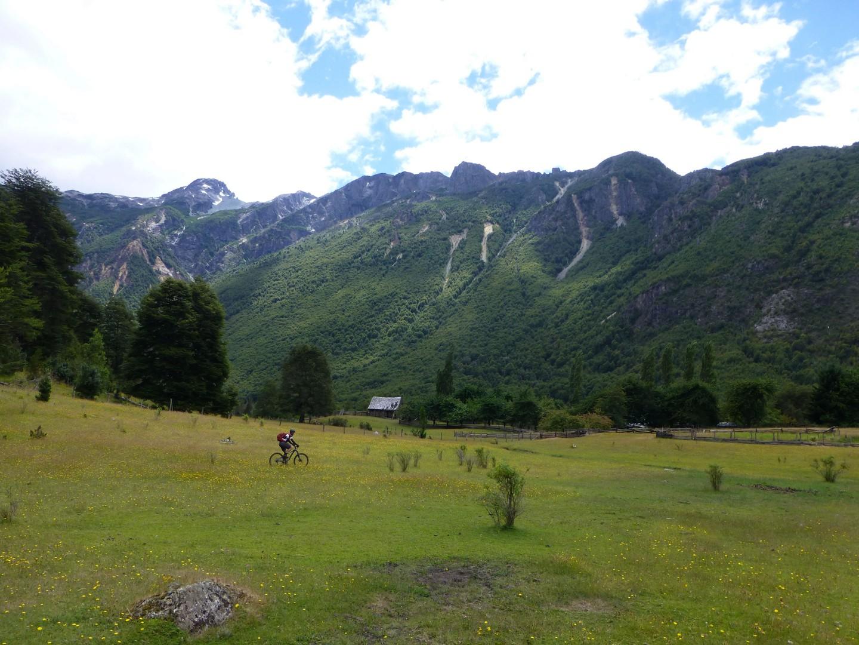 P1030754 copy.JPG - Chile and Argentina - Wild Patagonia - Mountain Biking