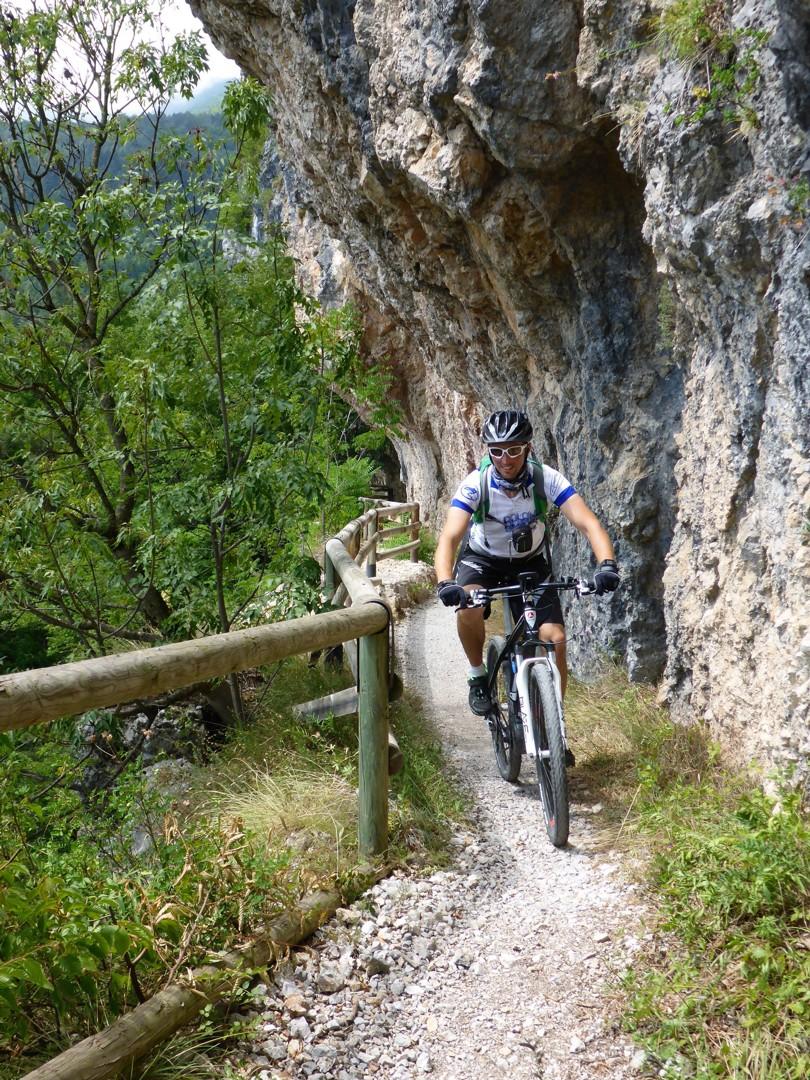 Skedaddle Dolomiti MTB - 0572.jpg - Italy - Dolomites of Brenta - Guided Mountain Bike Holiday - Mountain Biking