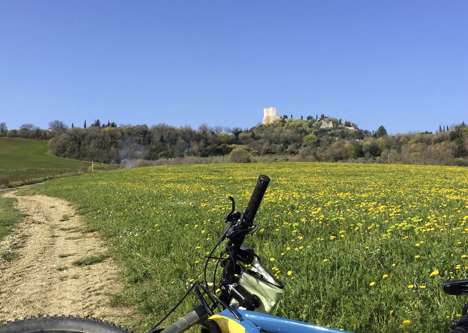 cycling-holiday-italy-viafrancigena-countryside.jpg - Italy - Via Francigena (Tuscany to Rome) - Guided Mountain Biking Holiday - Mountain Biking