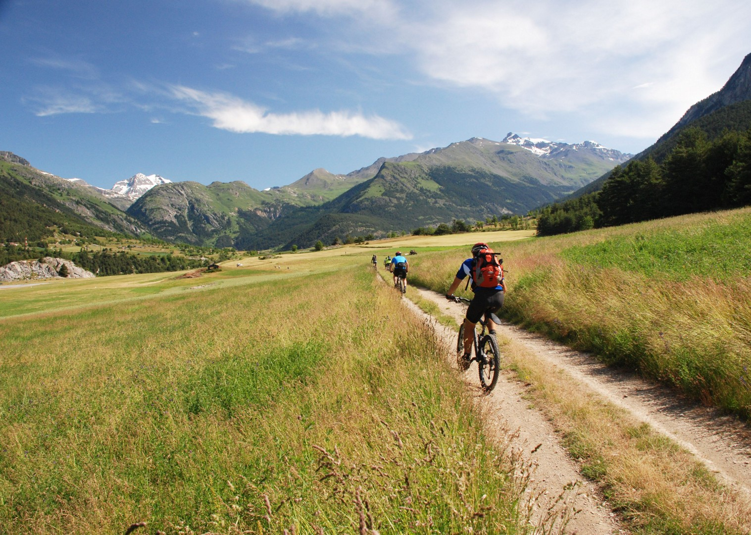 singletrack-mountain-bike-holiday-in-the-alps-alpine-adventure.JPG - Italy and France - Alpine Adventure - Guided Mountain Bike Holiday - Mountain Biking